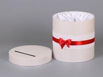 """<p><strong><em>Материал:</em></strong><em>картон, дизайнерская бумага сирио (бежевый 1018)</em></p> <p><em><strong>Технология:</strong>вырубка картона, каширование дизайнерской бумагой</em></p> <p><em><strong>Размер, мм.:</strong> d250 h250</em></p> <p><em><strong>Примерная стоимость, руб.: 770</strong></em>р. (с кружевом, слентой атласной и тканевым ложементом)</p> <p><em><em><em><em><em><em><em><em><em><em><strong><a title=""""KP na kryglie korobki"""" href=""""http://estetis.ru/files/doc/KP%20na%20kryglie%20korobki.pdf"""" target=""""_blank""""><em>Подробно про круглые коробки для цветов</em></a></strong></em></em></em></em></em></em></em></em></em></em></p>"""