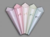 <p><strong><em>Материал:</em></strong><em>дизайнерский</em><em>картон маджестик</em></p> <p><em>(нежная гвоздика, розовый лепесток, млечный путь, свежая мята, небо дамаска)</em></p> <p><em><strong>Технология:</strong>вырубка картона</em></p> <p><em><strong>Размер, мм.:</strong>диаметр<strong></strong>120 высота 500 мм</em></p> <p><strong><em>Примерная стоимость, руб.:</em></strong><em> 217</em>(без нанесения)</p>