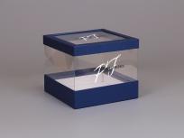 <p><strong><em>Материал:&nbsp;</em></strong><em>картон, дизайнерская бумага маджестик синий, ПЭТ</em></p> <p><em><strong>Технология:</strong>&nbsp;вырубка картона и ПЭТ, каширование дизайнерской бумагой, сборка</em></p> <p><em><strong>Размер, мм.:</strong>&nbsp;200х200 h170 мм</em></p> <p><em><strong>Актуальность цен уточняйте у менеджеров компании.</strong></em></p>