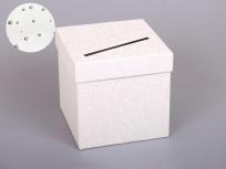 <p><em><strong>Это вариант коробки. Мы изготовим любые коробки по Вашим требованиям.</strong></em></p> <p><em><strong>Материал:</strong></em><em>картон, дизайнерская бумага с узором</em></p> <p><strong><em>Технология:</em></strong><em>вырубка картона, каширование бумагой, монтаж фурнитуры(под жемчуг)</em></p> <p><strong><em>Размер, мм.:</em></strong><em>200 х 200 h200 мм</em></p> <p><strong><em>Примерная стоимость, руб.:</em></strong><em>от <strong>481</strong> (без фурнитуры)</em></p> <p><em>                    <em>от <strong>668</strong> (с фурнитурой)</em></em></p> <p><em>актуальность цен и наличие фурнитуры уточняйте у менеджеров компании</em></p>