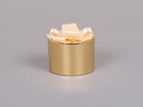 <p><em><strong>Это вариант коробки. Мы изготовим любые коробки по Вашим требованиям.</strong></em></p> <p><em><strong>Материал:</strong></em><em>картон ламинированный (золотистый)</em></p> <p><strong><em>Технология:</em></strong><em>вырубка картона, сборка, монтаж банта</em></p> <p><strong><em>Размер, мм.:</em></strong><em>d80 h45 мм</em></p> <p><strong><em>Примерная стоимость, руб.:</em></strong><em>от <strong>175</strong> (без банта)</em></p> <p><em>                    <em>от <strong>237</strong> (с бантом)</em></em></p> <p><em>актуальность цен и наличие фурнитуры уточняйте у менеджеров компании</em></p>