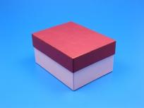 <p><strong><em>Материал:&nbsp;</em></strong><em>картон, дизайнерска бумага, изолон, атлас</em></p> <p><em><strong>Технология:</strong>&nbsp;ручная резка картона, сборка, каширование бумагой, оформление ложемента под изделие атласом</em></p> <p><em><strong>Размер, мм.:</strong>&nbsp;200х150х100</em></p> <p><em><strong>Актуальность цен уточняйте у менеджеров компании.</strong></em></p> <p>&nbsp;</p>